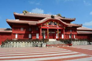 Château Shuri des différents rois des Ryu Kyu rénové en 1992.